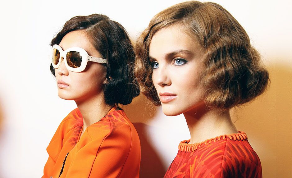 Waved flapper bob hair- how to wear it now.The 1920s have taken another deep-end dive into the ocean of hairstyles. But in 2012, the disciplined finger waves are given a modern update - now with more texture, more tousle and a whole lot of added sexiness.