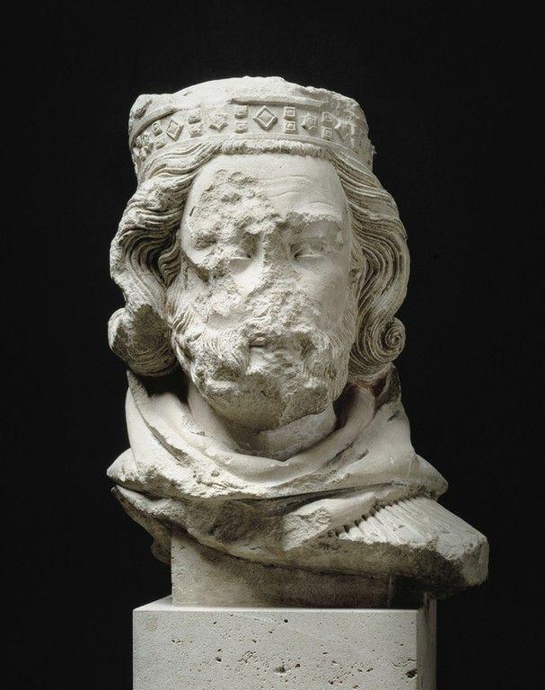 JEAN DE CHELLES, TÊTE DE ROI MAGE, PARIS, CATHÉDRALE NOTRE-DAME, 1250-1258, CALCAIRE, TRACES DE POLYCHROMIE, PARIS, MUSÉE DE CLUNY