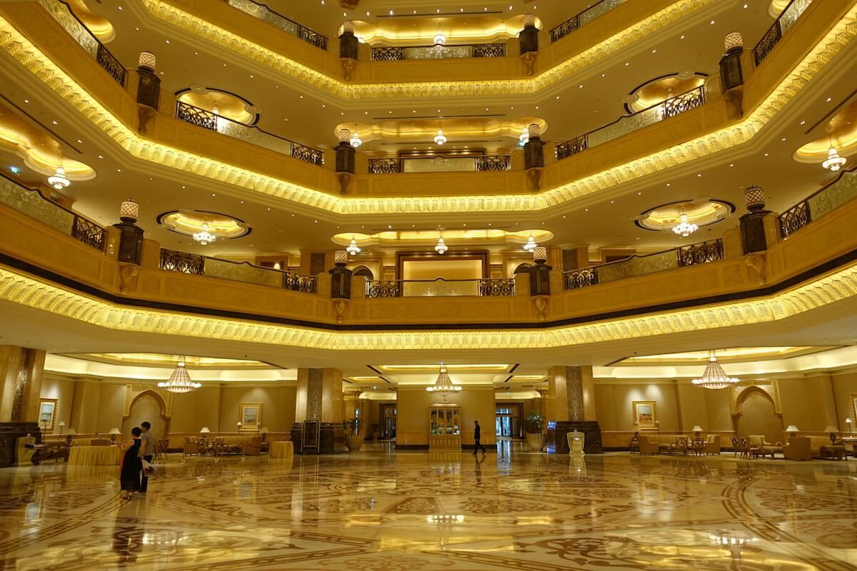 The Hotel You Should Not Miss : Emirates Palace Abu Dhabi in