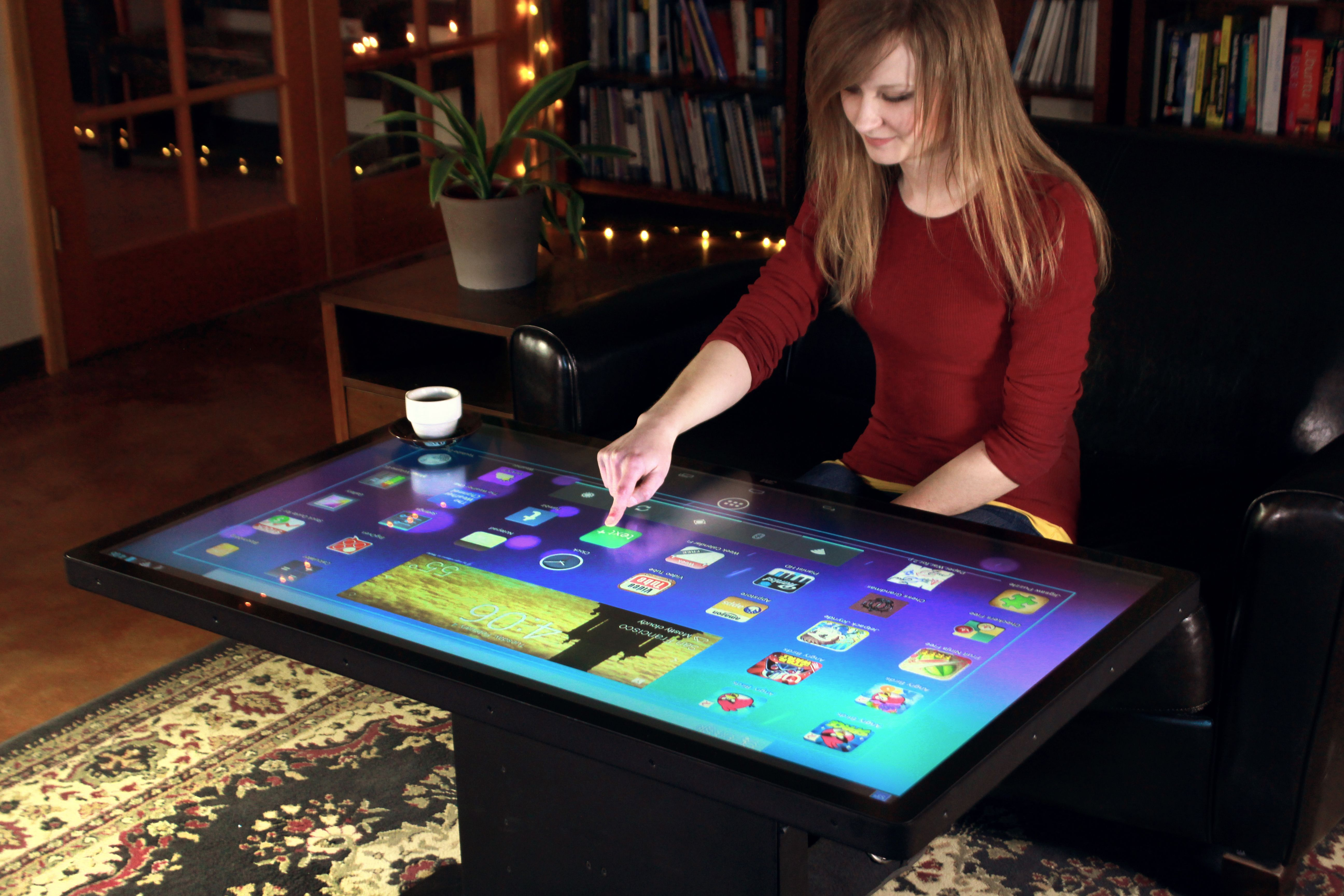 Android Coffee Table At Home Or At Work Ideum S New Platform Coffee Table With A 3m 46 Multitouch Disp Table Basse Tactile Tablette Informatique Gadget Utile
