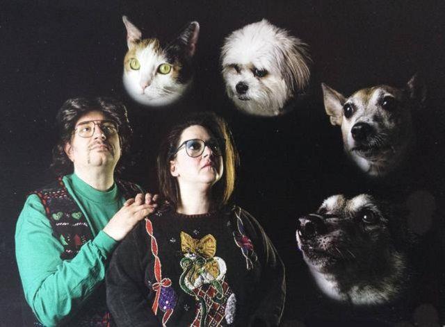 Weird Family Photos With Dogs 3