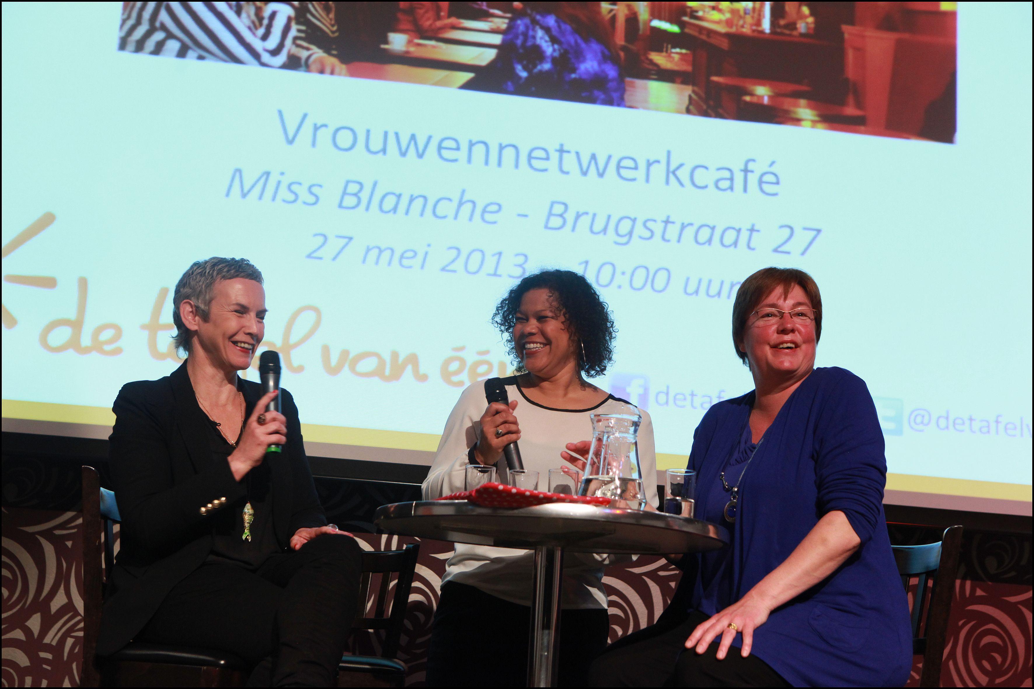 De tafel van één Ontbijtshow op 13 mei in Groningen was een groot succes. Ruim 200 enthousiaste vrouwen kwamen naar Martiniplaza. http://www.womeninc.nl/nieuwsbericht/de-tafel-van-n-ontbijtshow-in-groningen-een-groot-succes