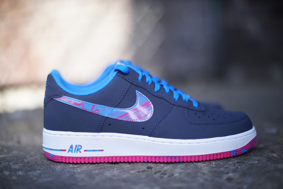 Hot Pink and Blue Combine on This Nike Air Max 1 GS