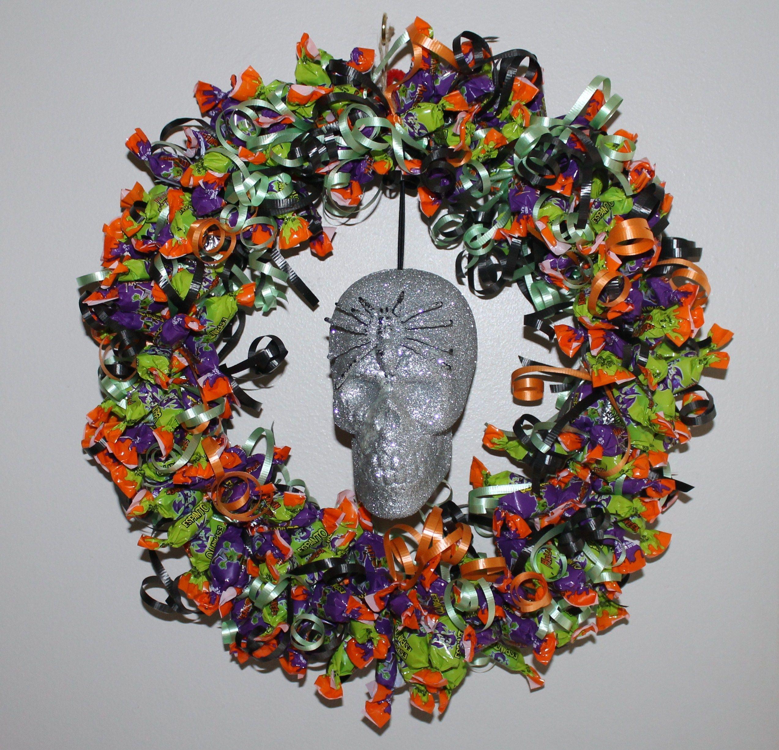 halloween candy wreath - Halloween Candy Wreath