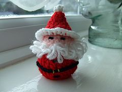 Ravelry: Santa (Chocolate Cover) Decoration pattern by Kippers Ning