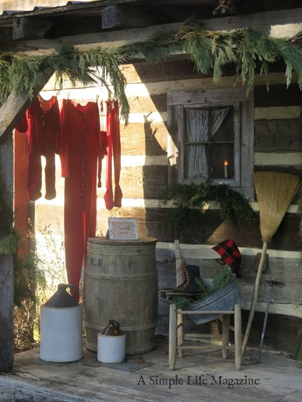 A Simple Life Magazine Sneak Peek 2017 Home Of Richard And Barbara Hood Primitive Christmas Decorating Cabin Christmas Primitive Decorating