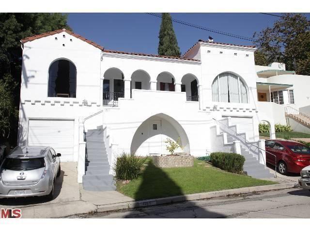 4249 Newdale Drive Los Angeles Ca Trulia Duplex Design Mediterranean Revival Architecture Duplex House