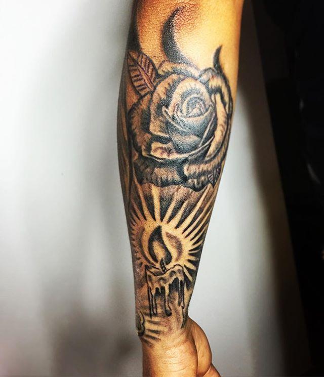Sesin de hoy Seguimos en proceso con este tatuaje de manga entera