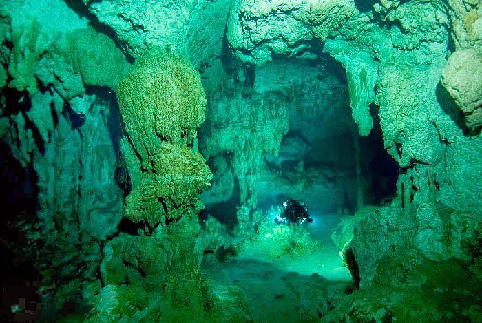 Tulum - México - O paraíso das cavernas submersas. fotógrafo não identificado