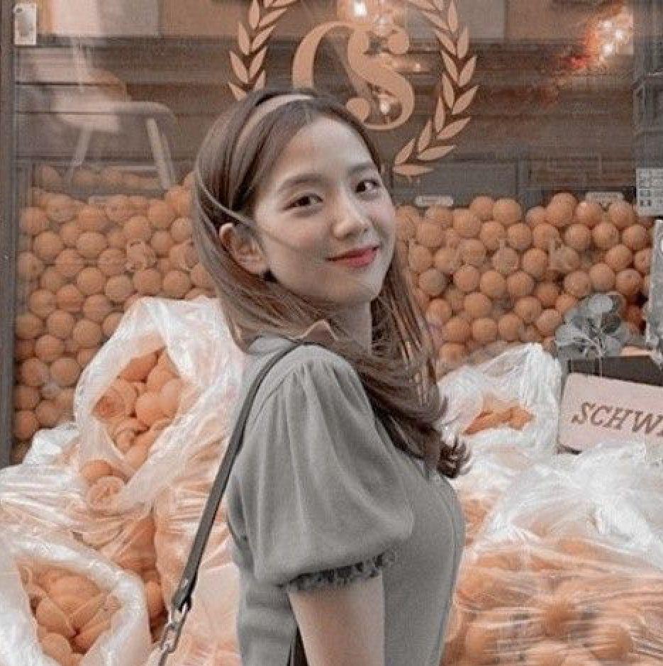 R O S I E Gadis Korea Selebritas Putri