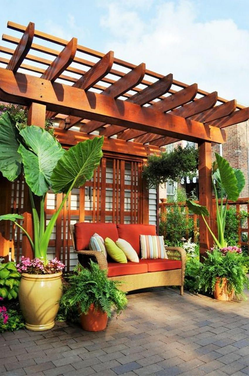 Having a large outdoor area for the pergola designing is not