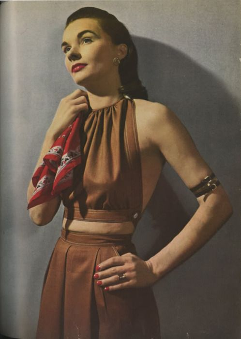 Claire McCardell ensemble    Photographed by Louise Dahl-Wolfe for Harpers Bazaar, 1944