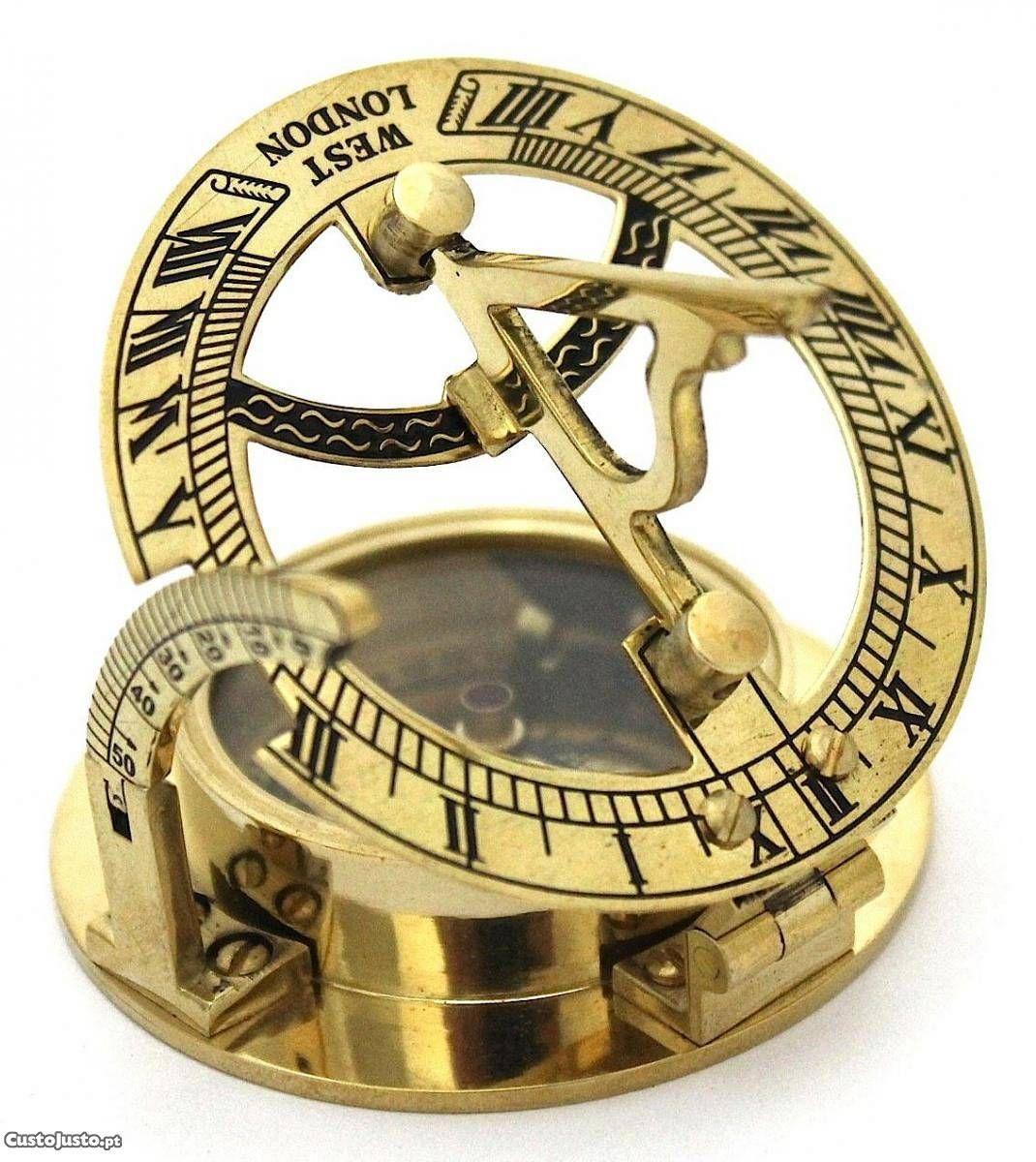 b51a75be0a6 Bussola e Relógio Solar em Bronze de Bolso - à venda - Antiguidades e  Colecções