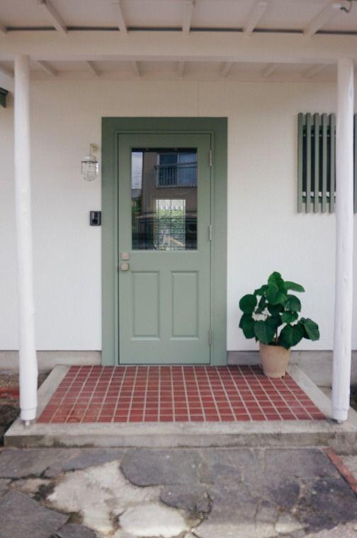シンプルな間取りのアメリカンレトロな家 シンプルな間取り 玄関