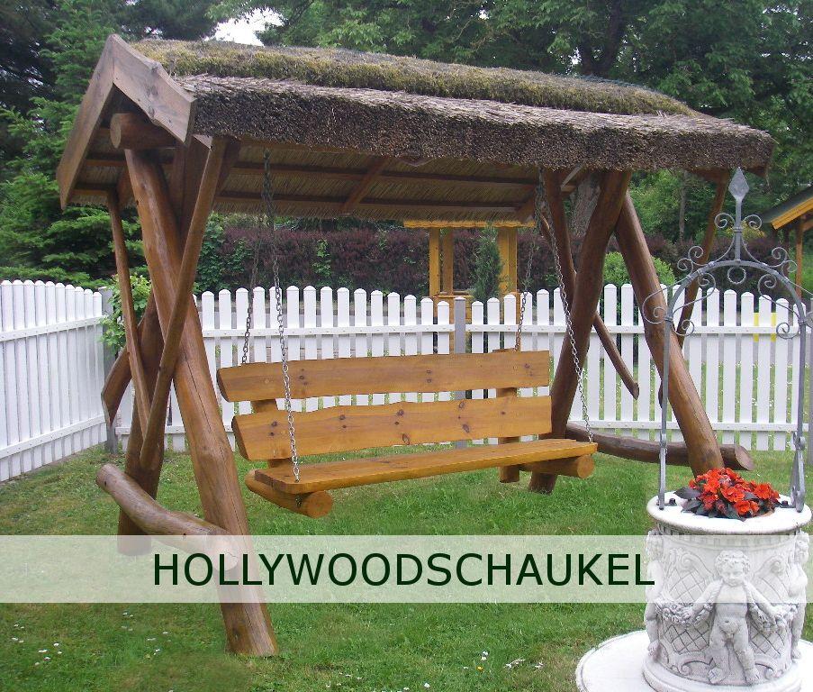 Hollywoodschaukel im garten  Auf einer Hollywoodschaukel die Sonnenstrahlen im eigenen Garten ...