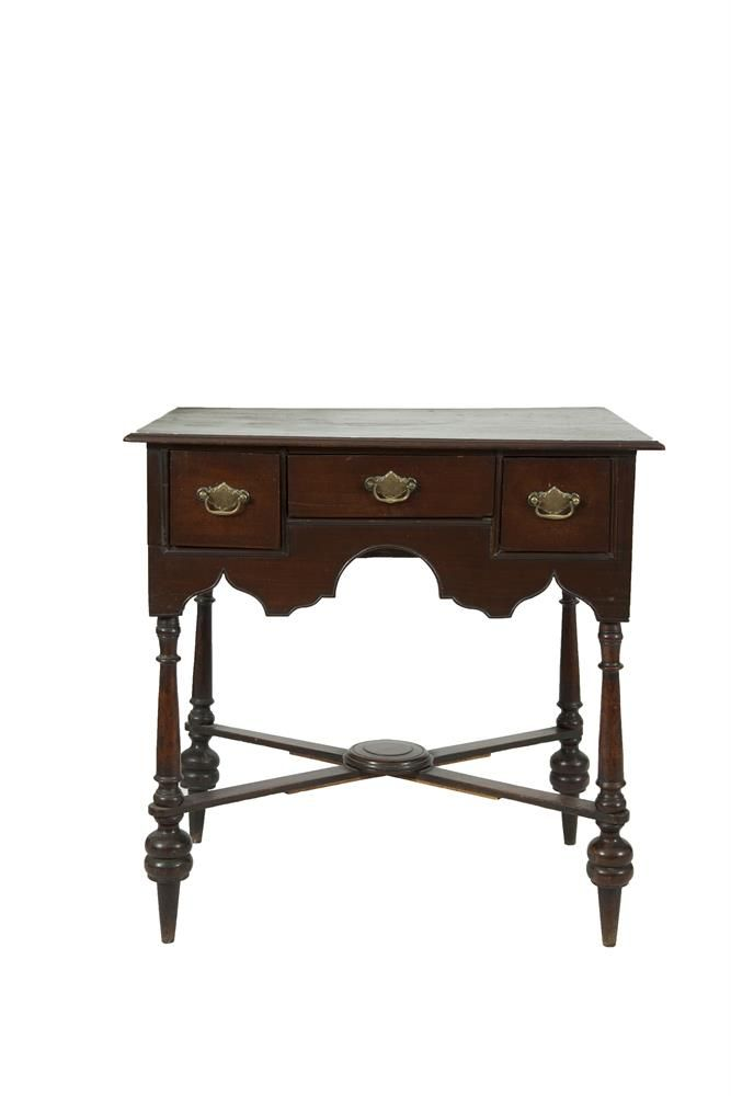 AN IRISH 19TH CENTURY MAHOGANY LOWBOY, By Butler Of Dublin, In Early  Georgian Style