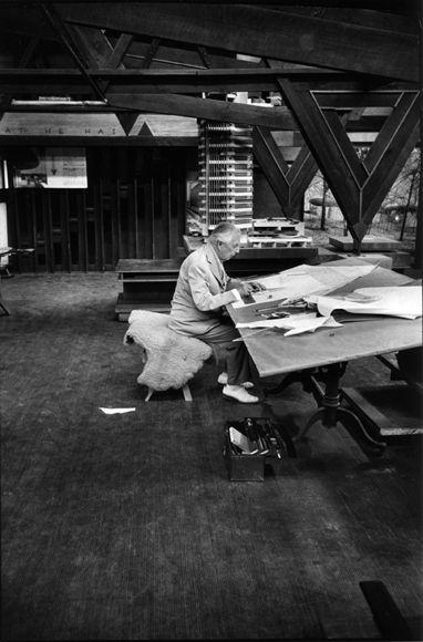 frank lloyd wright studio love that giant drafting table architects frank lloyd wright. Black Bedroom Furniture Sets. Home Design Ideas
