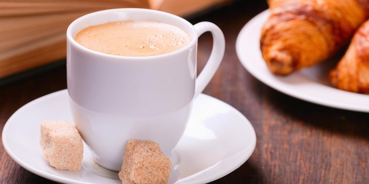 طريقة عمل القهوة التركية بالحليب والكاكاو موقع طبخة Coffee Wallpaper Arabica Coffee Beans Coffee Facts