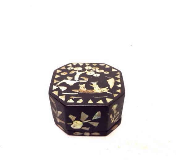FREE SHIPPING Vintage Small Decorative Asian Box by HouseofMadcap
