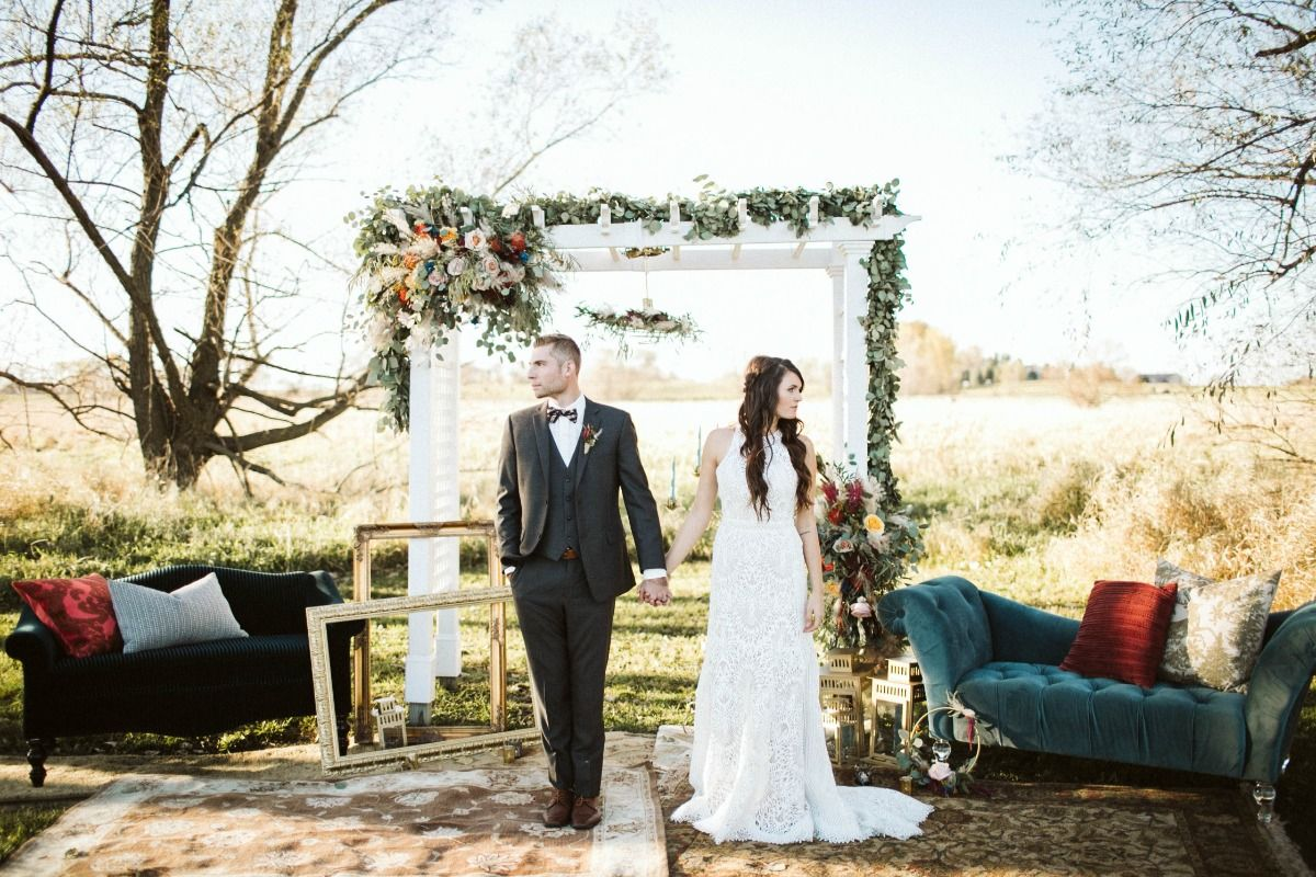 A Boho Wedding Dream With Rustic Detail And Vintage Vibes Photography Wedding Family Wedding Photography Outdoor Wedding Ceremony