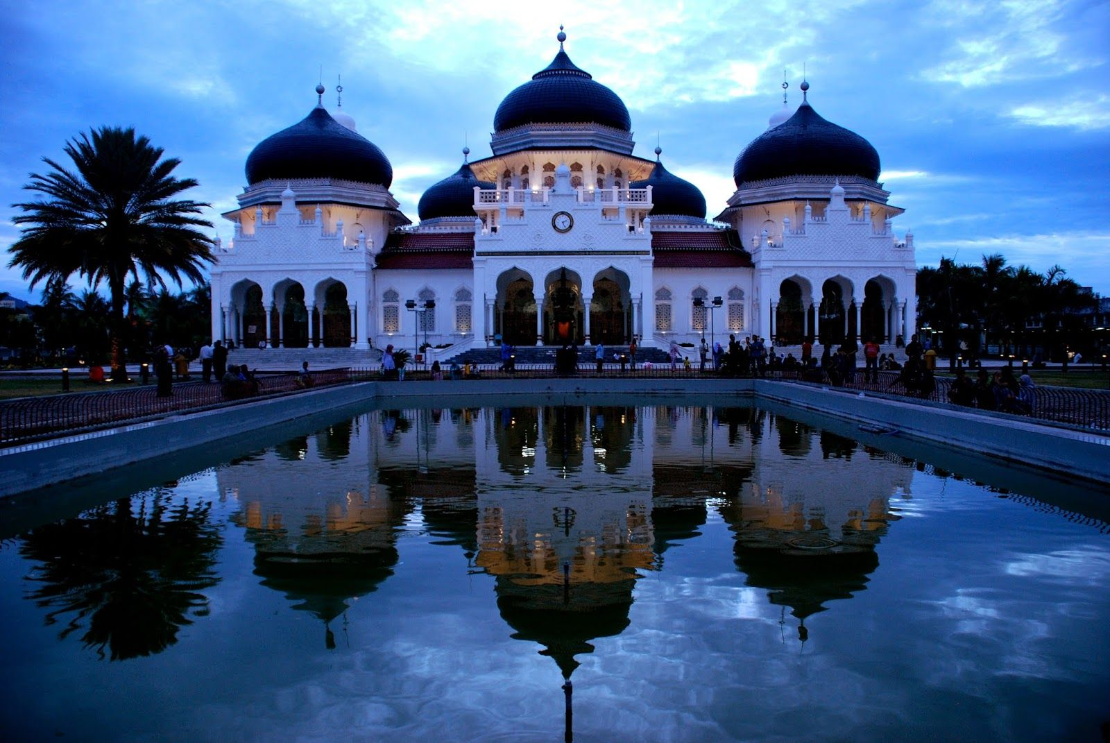 Baiturrahman Grand Mosque Of Banda Aceh Indonesia Mesjid Banda Aceh Asing