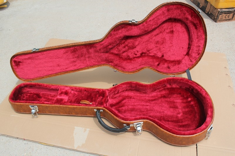105.80$  Buy here - http://alillf.worldwells.pw/go.php?t=32617171023 - Electric Guitar brown Hard case with red lining Not sold separately ,sale with guitar together 105.80$