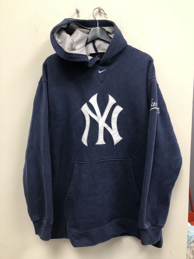 best sneakers e2cd7 5f9ad Nike MLB New York Yankees Hoodie Size L Warm Feee Shipping ...