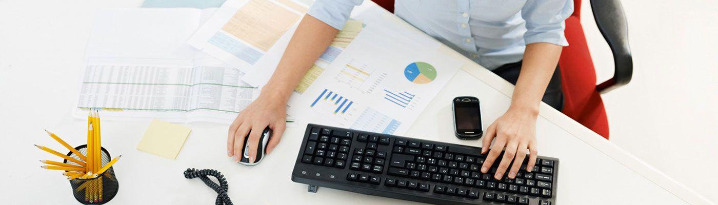 نموذج حسابات يومية انواع القيود و نموذج حسابات اليومية بي كريتف Accounting Computer Keyboard Computer