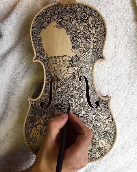 I'm The Violin Painter Who Spends Over 3 Weeks Illustrating Each One