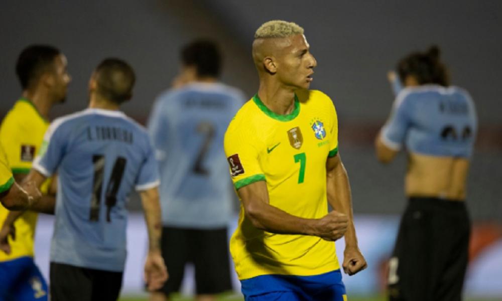 Brasil Vence O Uruguai Lidera Com Folga E Amplia Serie Invicta Nas Eliminatorias Da Copa Atletico De Madri Eliminatorias Da Copa Esportes