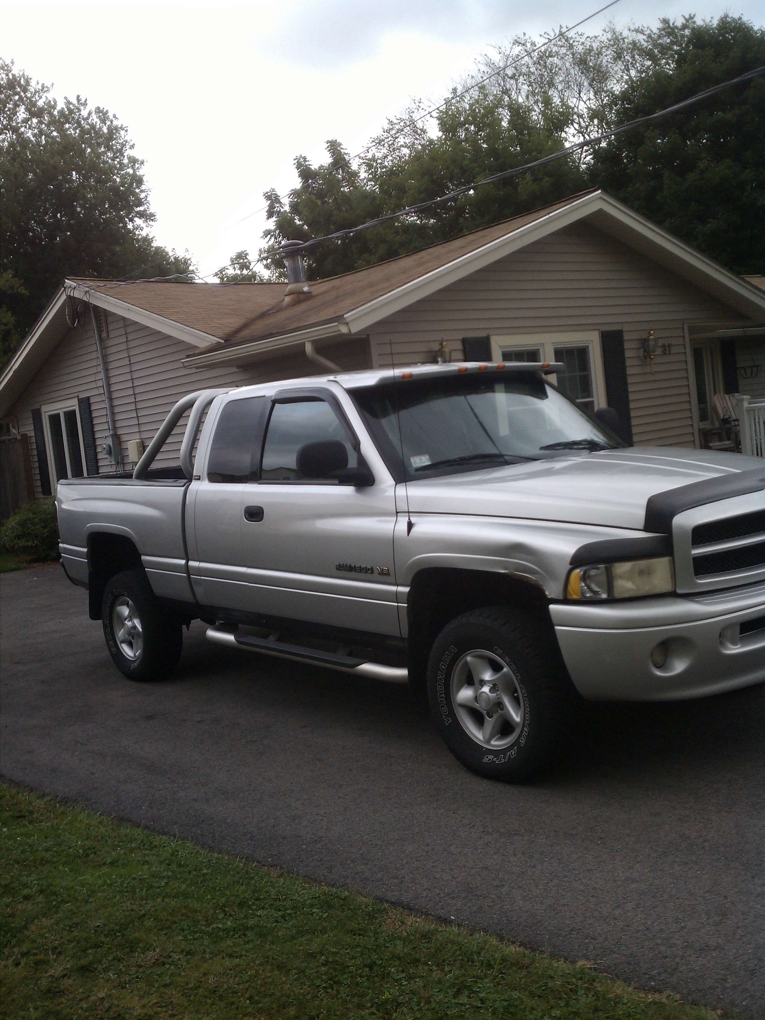 Make Dodge Model Ram 1500 Truck Year 2001 Body Style Extended Cab Pickup Exterior Color Silver Inter Dodge Models Interior Design Classes Extended Cab