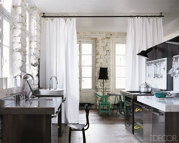 Love The Curtain Rod Hung From Ceiling Biombos De Tela