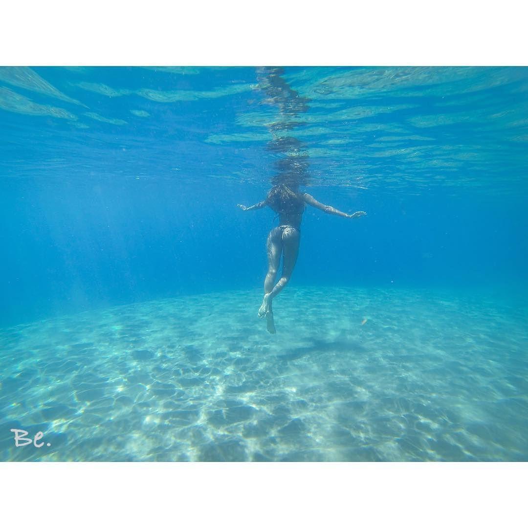 "Repost from Instagram ! #WeLike ! #Madinina by @orlebe ""Fly .  #mermaid #mermaidlifestyle #fly #underwater #underthesea #thesea #reallife #martinique #lovemyisland #caribbeangirl #ig_martinique #ig_caribbean #blue #ocean #beach #sand #free #fit #fitnessgirl"" http://ift.tt/1VIXMAM"