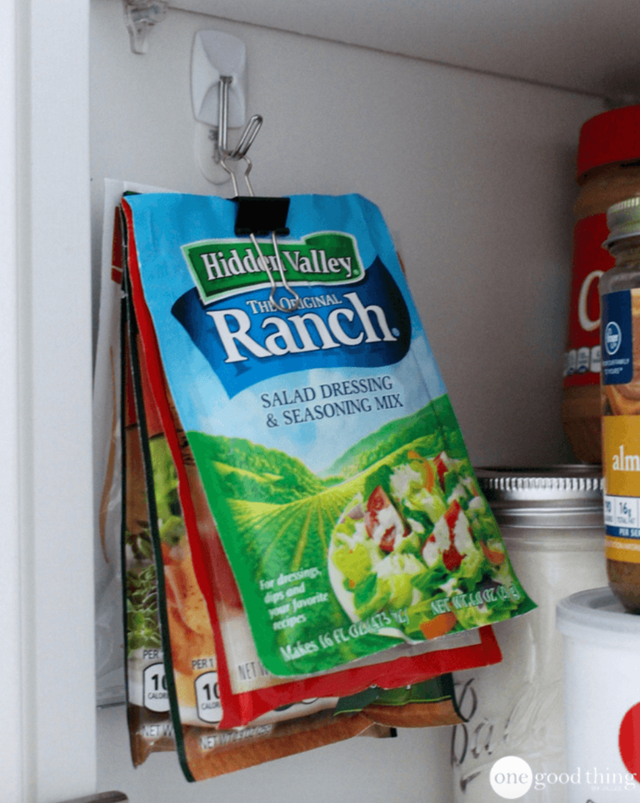 12 Brilliant Ways to Use Command Hooks in the Kitchen ... - photo#45
