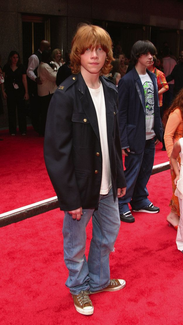 Rupert Grint Showed Up Dressed Like A Member Of The Strokes Weasley Harry Potter Harry Potter Actors Harry Potter Characters