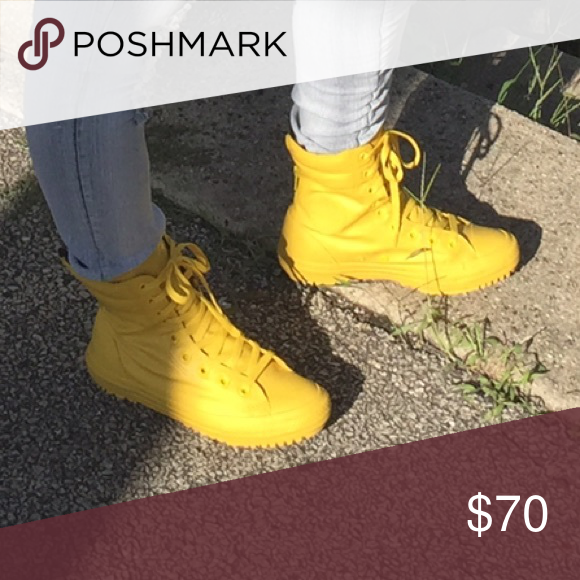 Rain boots, Yellow converse