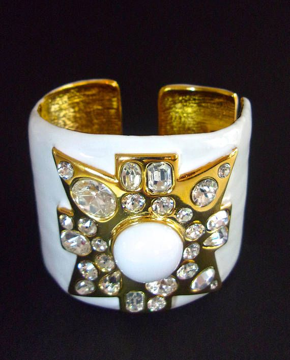 Kenneth Jay Lane White Enamel Maltese Cross Cuff White z8rKIghQ