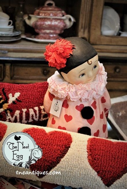 Bethany Lowe clown with hand-hooked wool Valentine pillows
