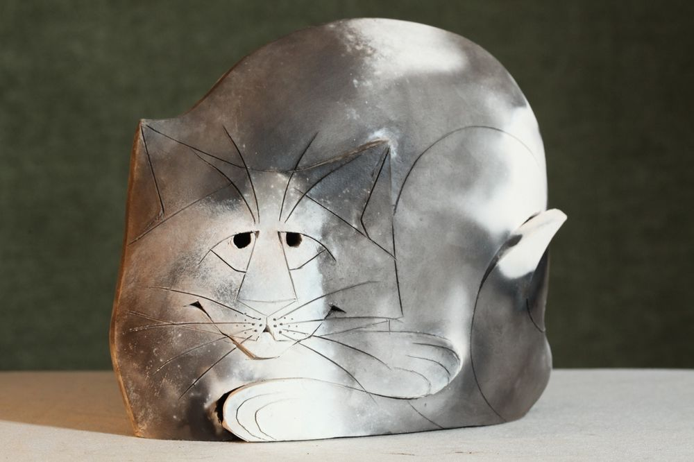 Pit-Fired CAT Sculpture MARY GATES DEWEY Kitten GRAY WHITE Ceramic