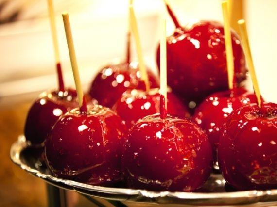 Homemade toffee apples | Recipe | Apple recipes, Homemade ...