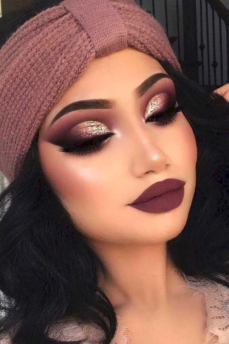 40 Happy Christmas Makeup Ideas #make-upideen