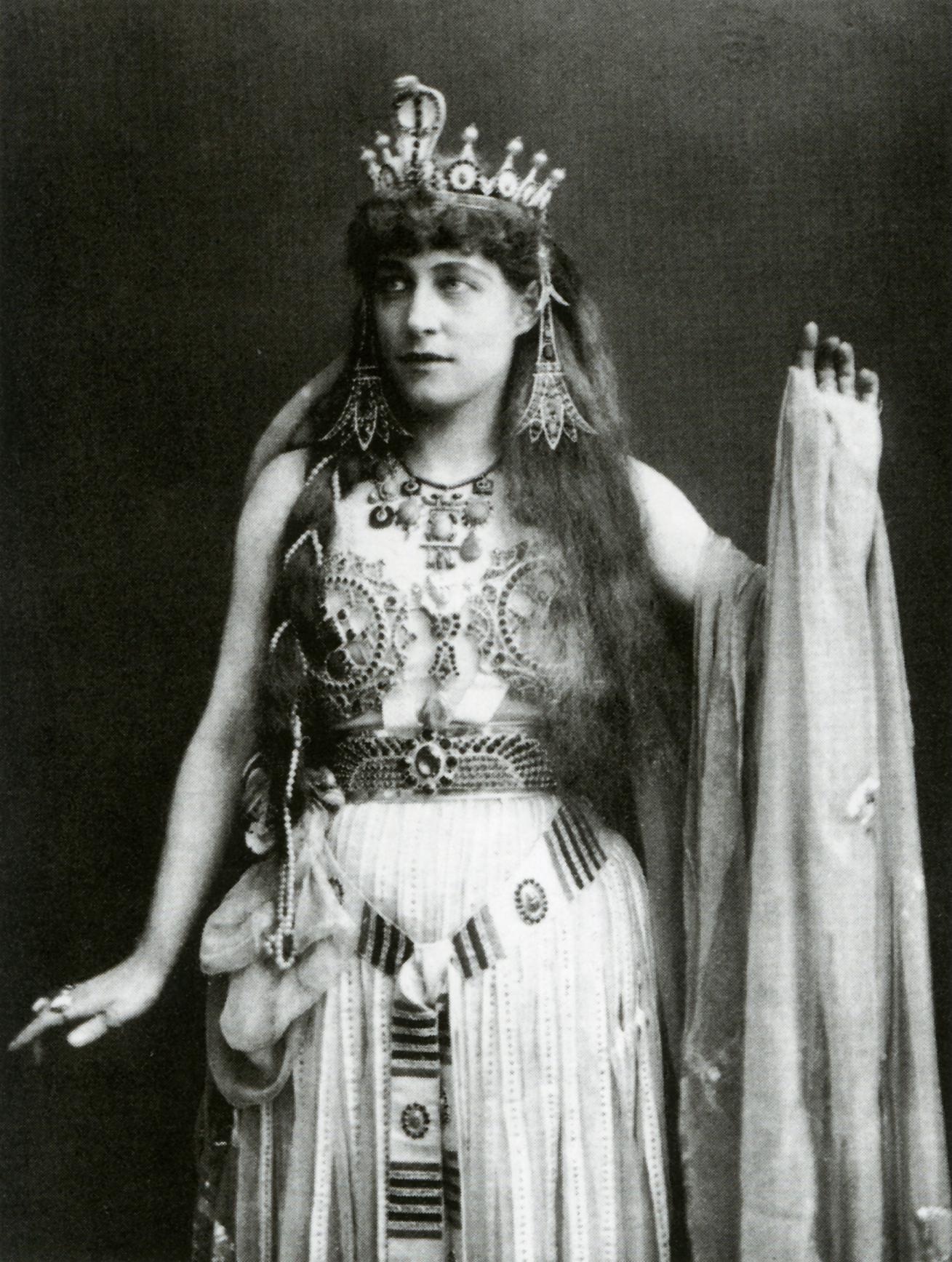 lily langtry as Cleopatra - October 13, 1853 – February 12, 1929)