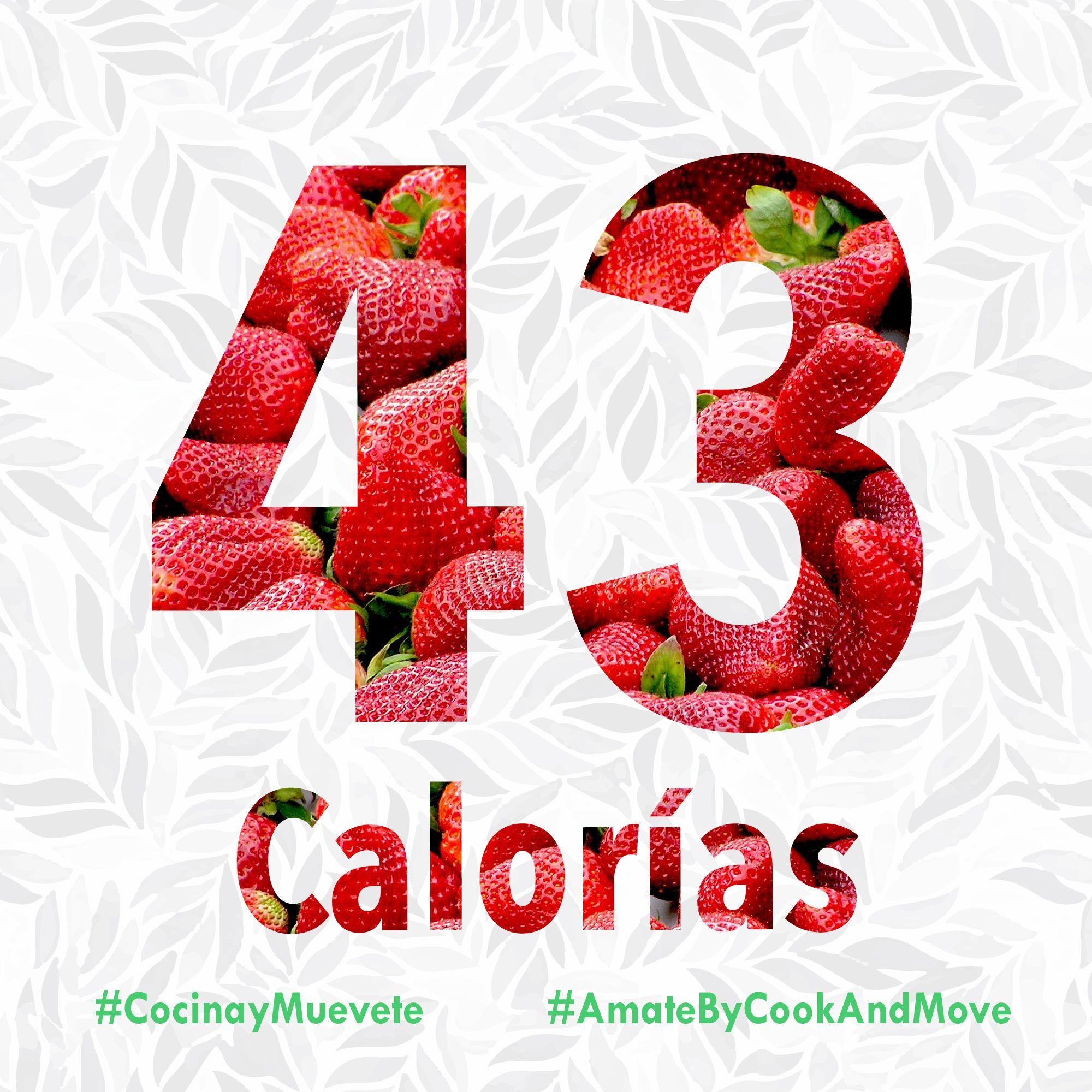 ¿Sabías que una taza de fresas tiene unas 43 calorías? Además, contienen fibra, que ayuda a regular los procesos digestivos y a reducir la sensación de hambrem, por eso es una de nuestras frutas favoritas en nuestros batidos!!  #CookandMove #JuntasPodemos