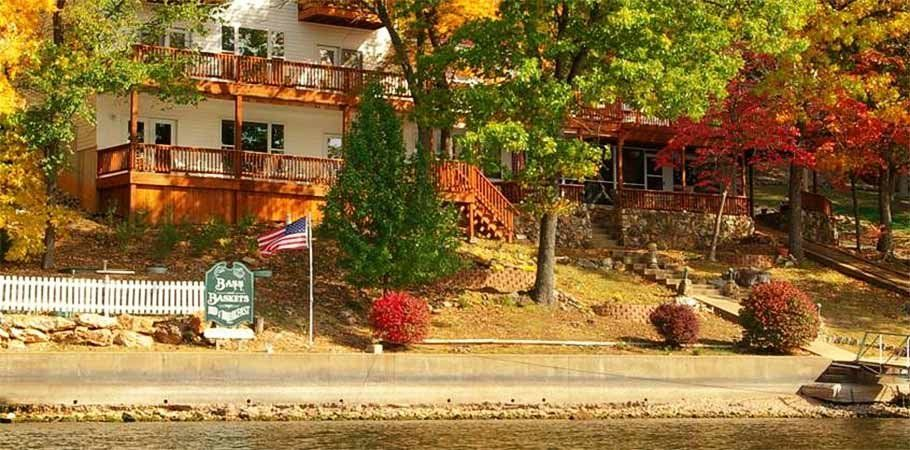 Bass and Baskets Bed and Breakfast in Lake Ozark, MO