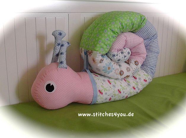 bettrollen schnecki bettrolle nestchen pucks ein designerst ck von stitches4you de. Black Bedroom Furniture Sets. Home Design Ideas