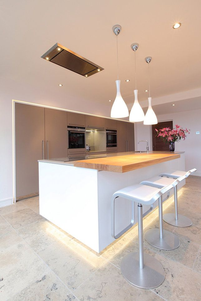 Jamie Robins Bespoke Contemporary Kitchen With A Compact Ceiling Extractor Which Uses 1000m3 Hour Remote Fan To The Air
