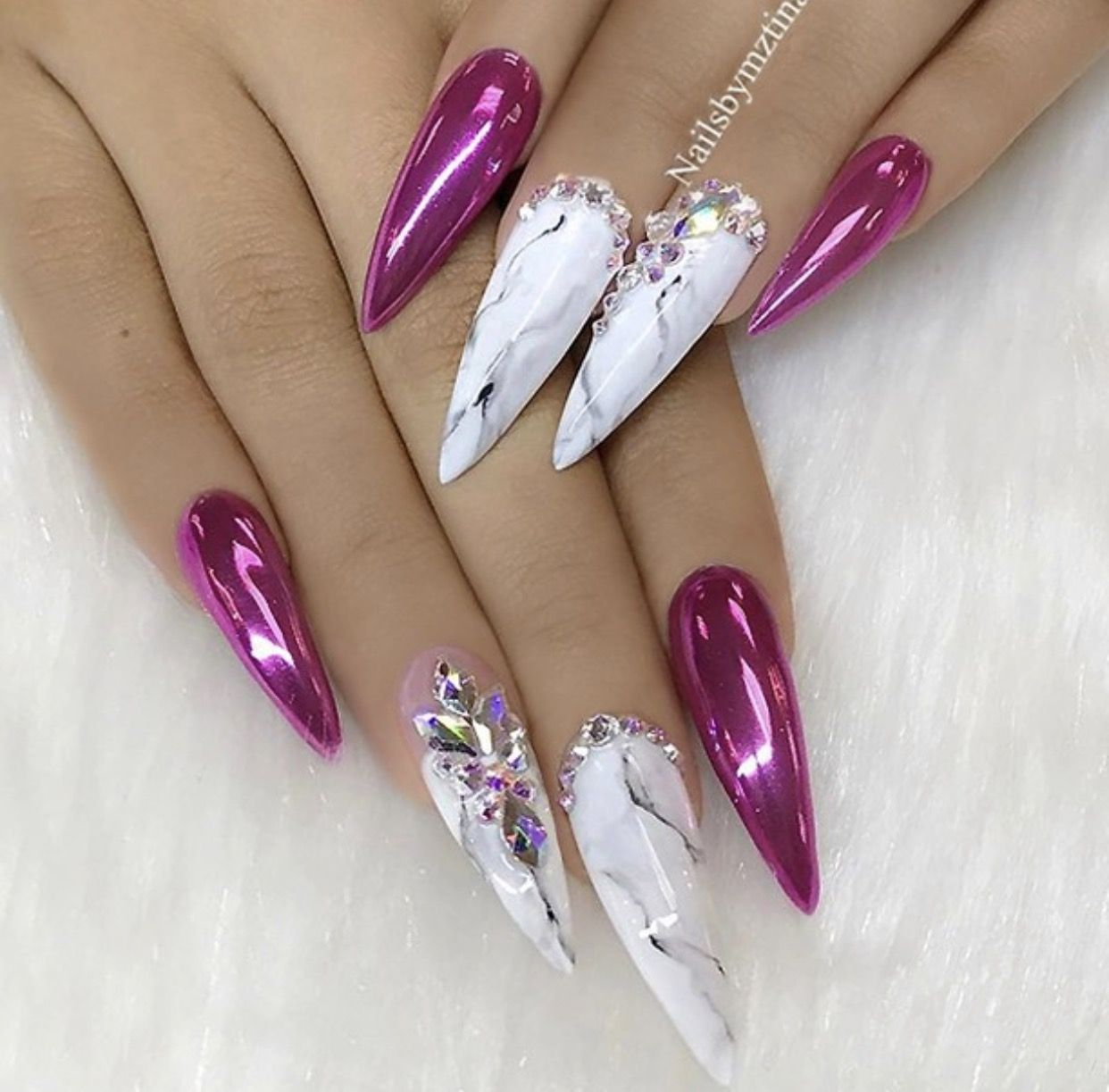 Marble Nail Art Stiletto: Fuchsia Holographic Chrome And White Marble Effect