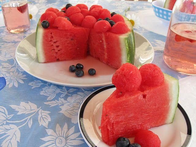 """Watermelon """"cake"""" - friskt og sunt alternativ til søte kaker i bursdager/selskap"""