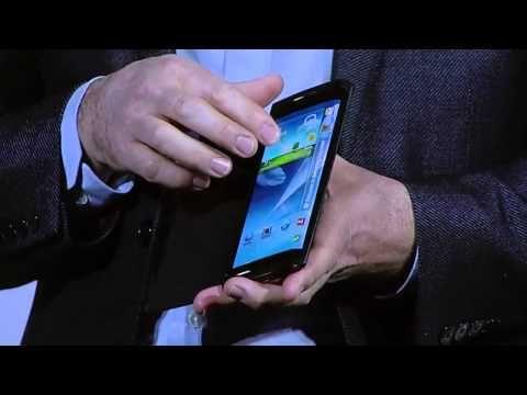 At the Keynote of CES 2013 with the theme of 'Mobilizing Possibilities', Samsung introduced its innovative flexible display, 'YOUM'.     '가능성의 실현'을 주제로 한 CES 2013 키노트에서 삼성전자가 차세대 플렉시블 디스플레이 '윰'(YOUM)을 소개합니다.