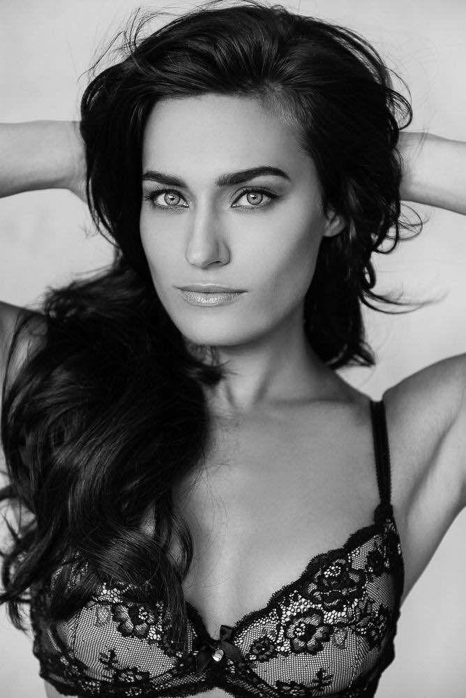 Caitlin L.   #fashion #model #losangeles #modelagency #beauty #mossmodel #bra #lingerie